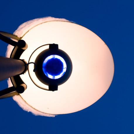 obsidianart - lamp post in Milan